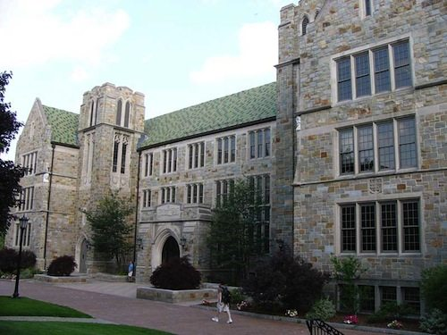 32. Carroll School of Management, Boston College, Massachusetts, USA